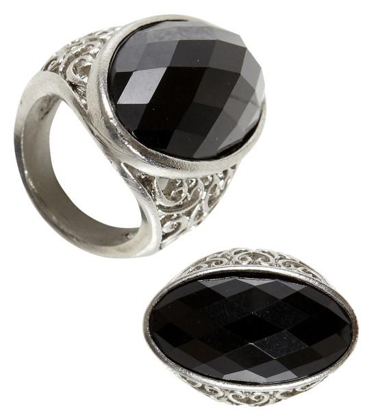 Gotischer Ring mit schwarzem Stein