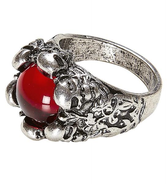 Totenkofpring mit rotem Juwel