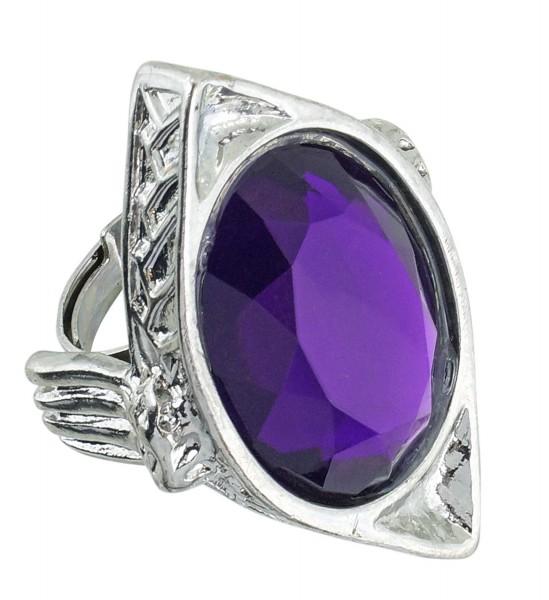 Gotischer Ring mit violettem Edelstein